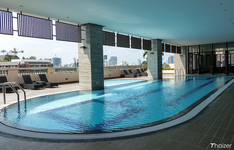 Somerset Park Suanplu swimming pool