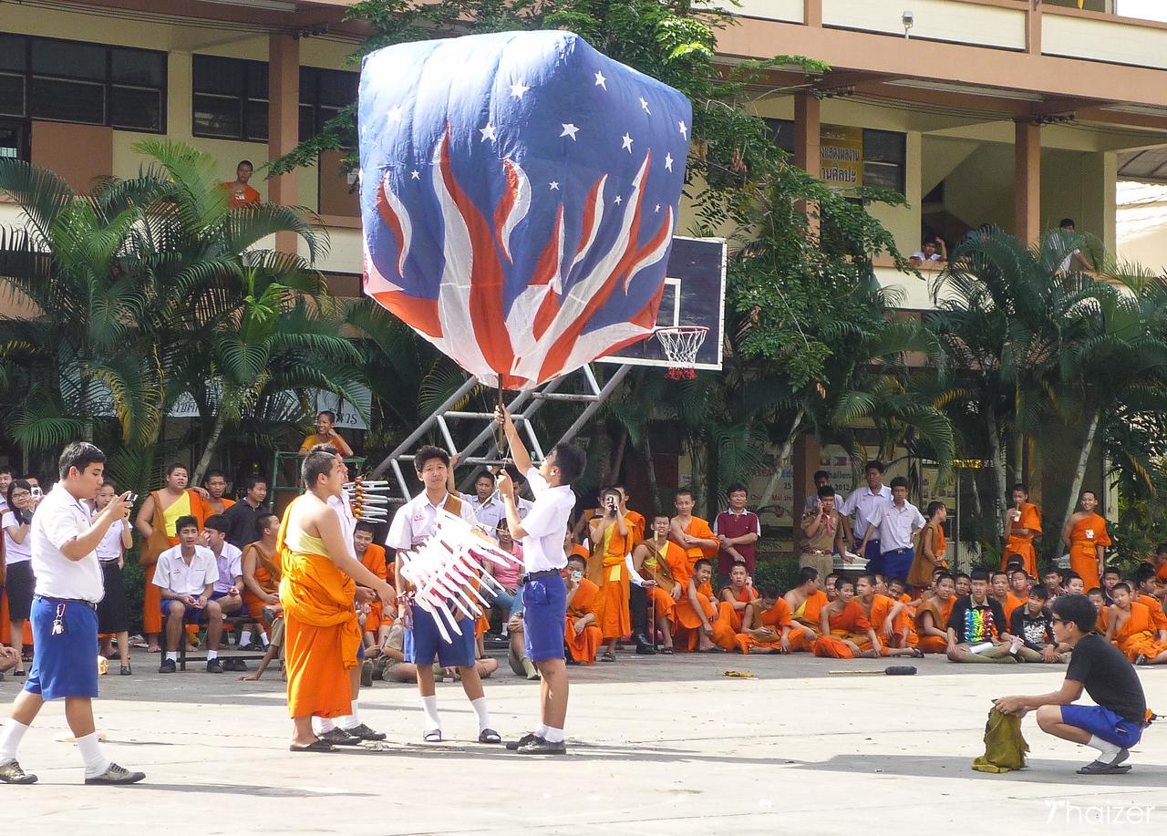 releasing khom fai at Wat Phra Singha, Chiang Mai