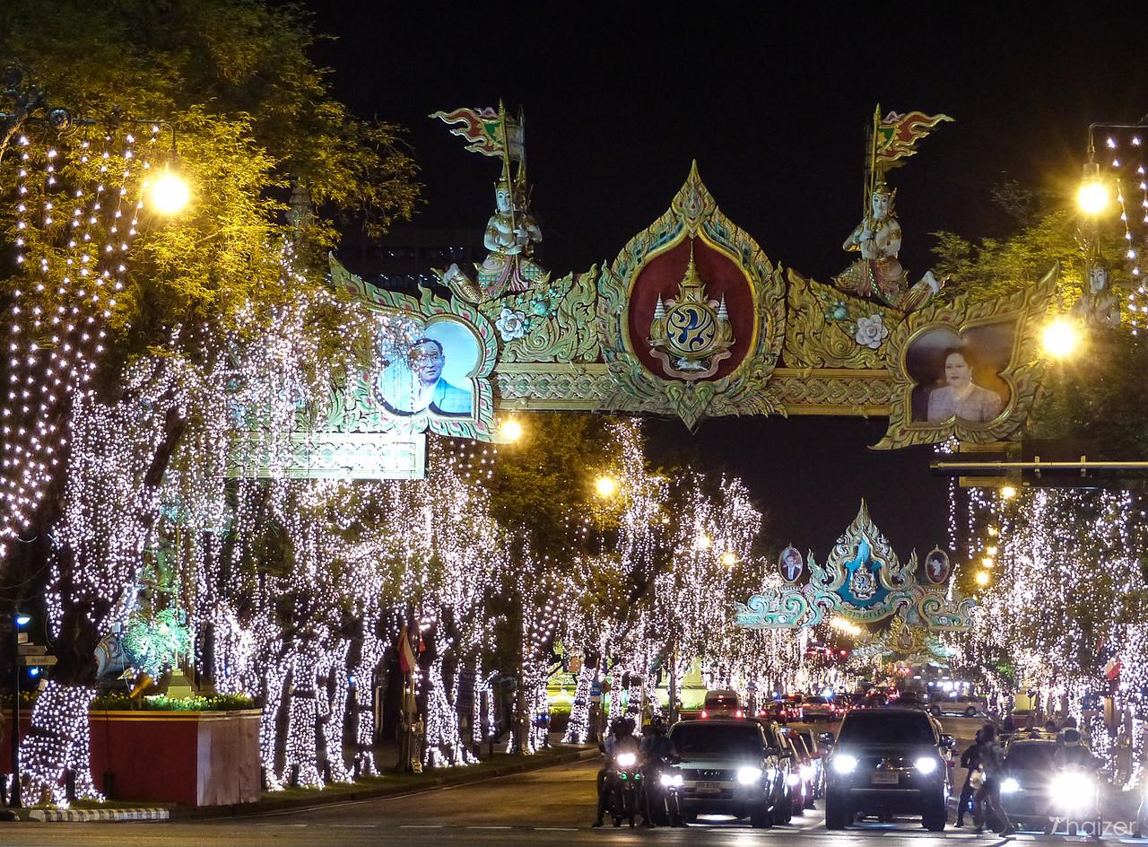 Lights along Ratchadmanoen Avenue